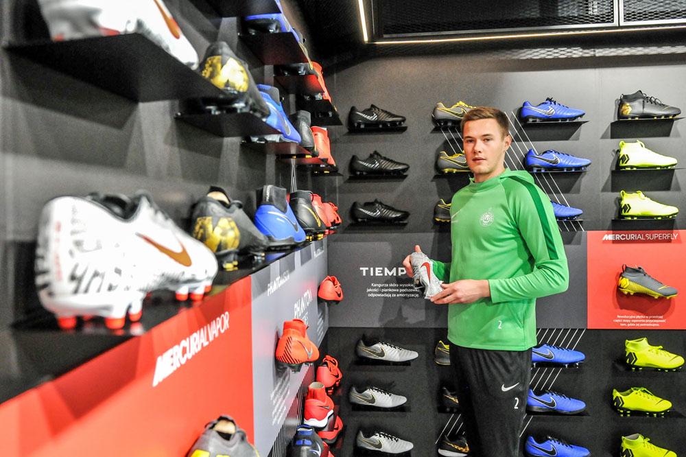 Tomasz Dejewski (Warta Poznań) w salonie futbolsport.pl