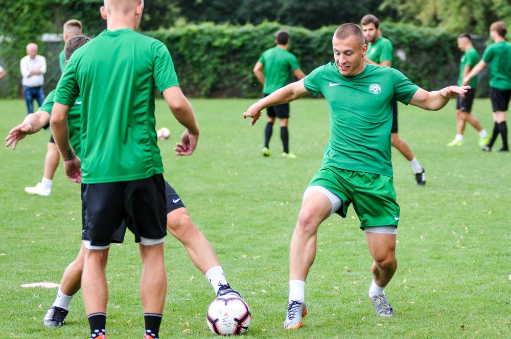 Jakub Kuzdra na treningu Warty Poznań