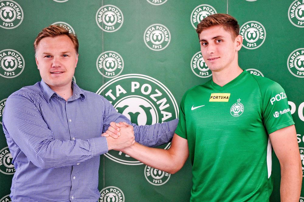 Aleks Ławniczak (Warta Poznań) i dyrektor sportowy Robert Graf