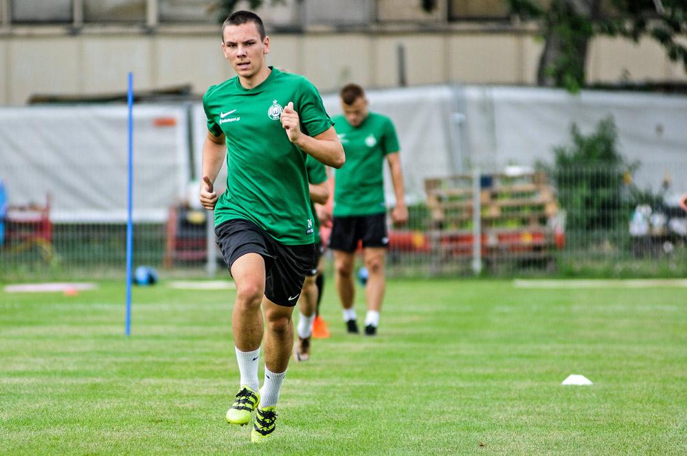 Sebastian Olszewski na treningu Warty Poznań