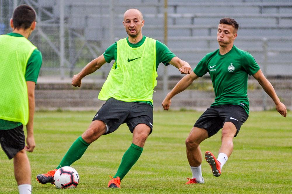Łukasz Trałka na treningu Warty Poznań
