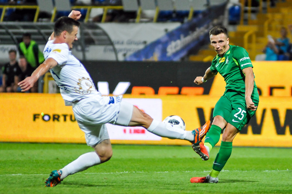 Gracjan Jaroch (Warta Poznań) w meczu ze Stalą Mielec
