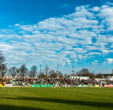 Ogródek, stadion Warty Poznań przy Drodze Dębińskiej 12; fot. Adam Ciereszko