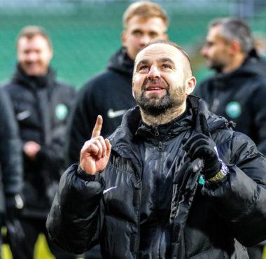Warta Poznań - Wigry Suwałki 3:0. Trener Piotr Tworek
