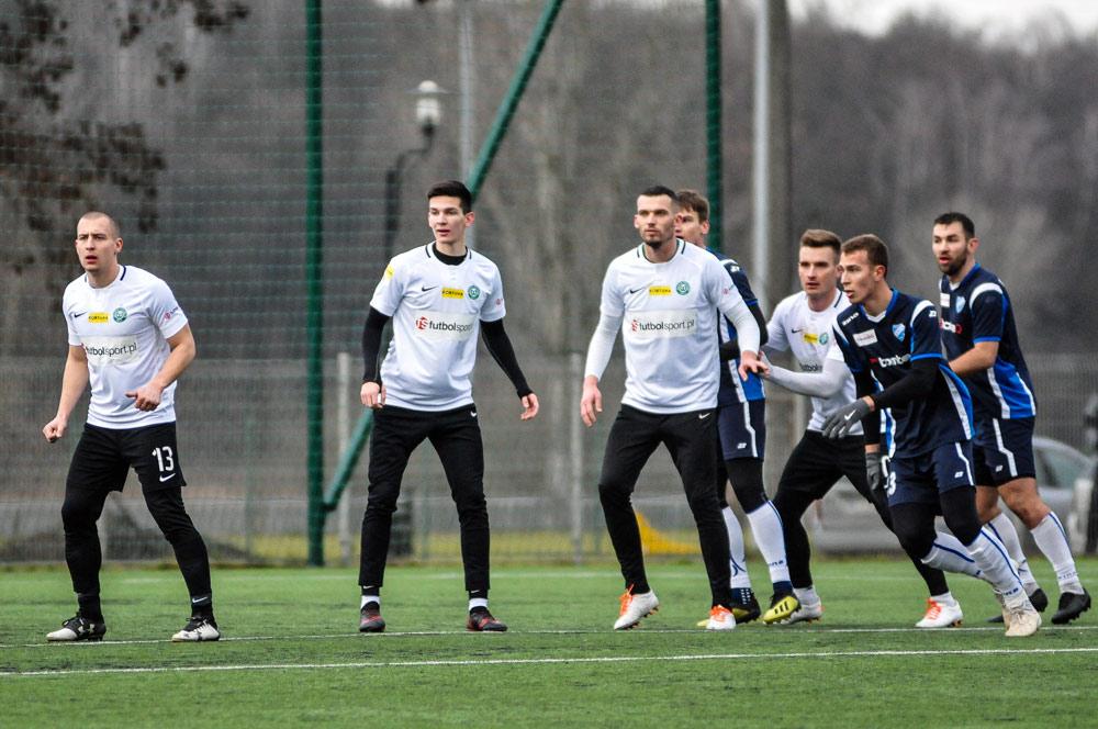 Unia Swarzędz - Warta Poznań 0:3 w sparingu. Jakub Kuzdra, Jan Majsterek, Tomasz Boczek
