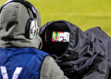 Kamera TV na meczu Warty Poznań