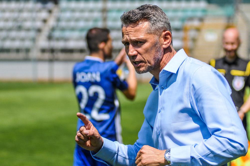 Miedź Legnica - Warta Poznań 0:0. Trener Ireneusz Kościelniak