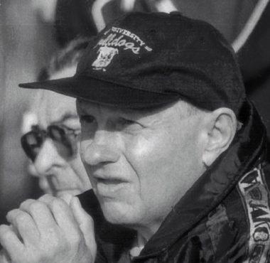 Tadeusz Łuczak (1939-2020) były piłkarz i trener Warty Poznań