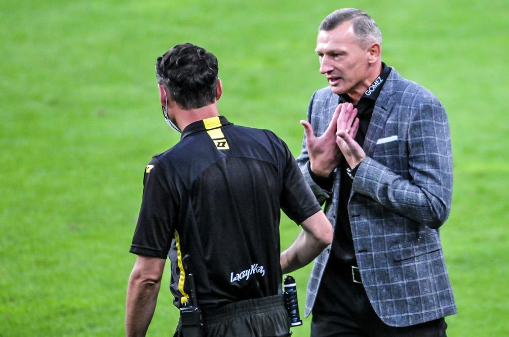 Lech Poznań - Warta Poznań 1:0. Trener Dariusz Żuraw