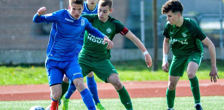 Warta Poznań U-17 w meczu z Lechem Poznań