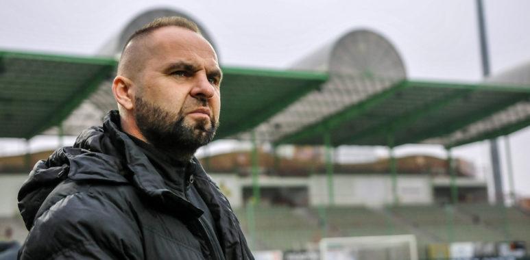 GKS Bełchatów - Warta Poznań 1:2. Trener Piotr Tworek