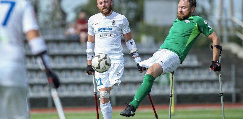 Drużyna amp futbolu Warty Poznań w meczu z Husarią Kraków w Amp Futbol Ekstraklasie