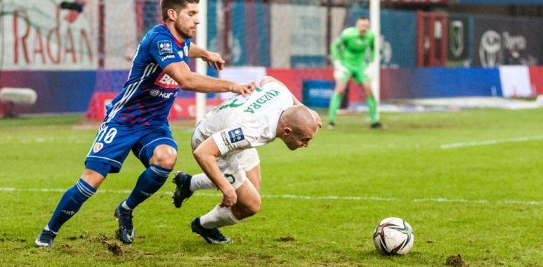 Piast Gliwice - Warta Poznań 0:1. Jakub Kuzdra