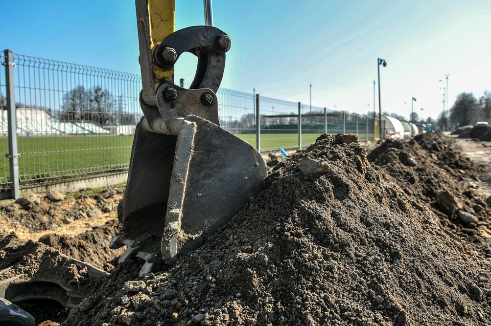Ruszyły prace budowlane na stadionie przy Drodze Dębińskiej 12