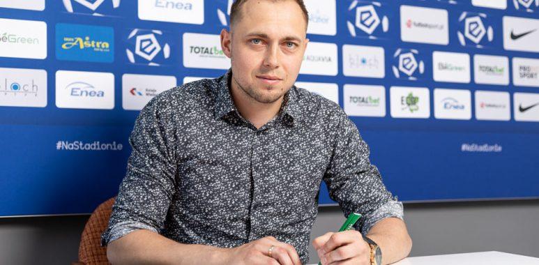 Adrian Lis podpisał nowy kontrakt z Wartą Poznań